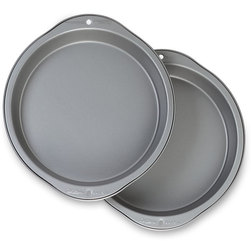 Wilton® Recipe Right® Bakeware - 9 in. Round Pans, Set of 2