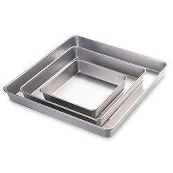 Wilton® Performance Plus™ Square Cake Pan Set