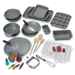 Bakeware and Gadget Set